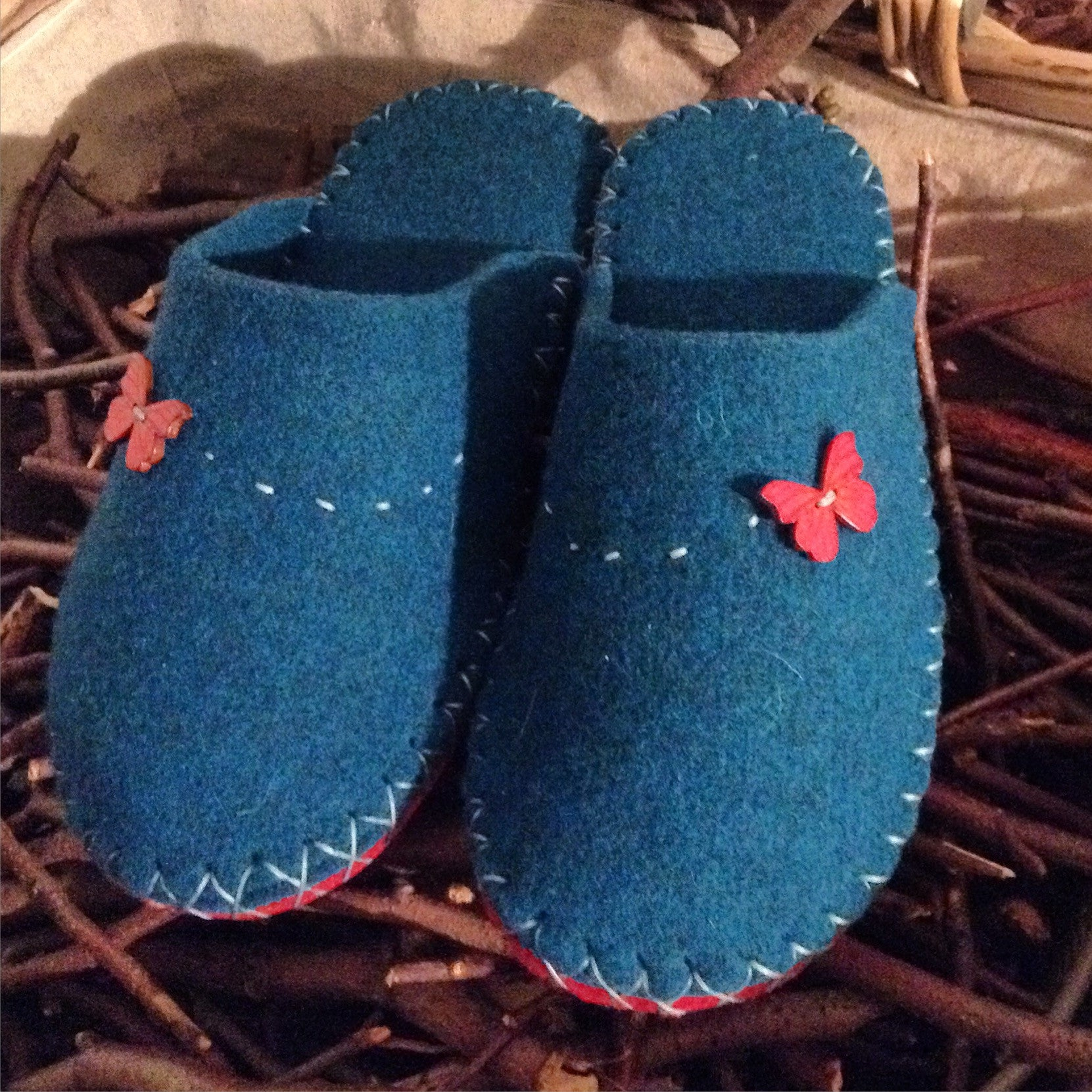 5eb1bae9a1a8b Joe's Toes Butterfly Button Slipper with Vibram Rubber Soles