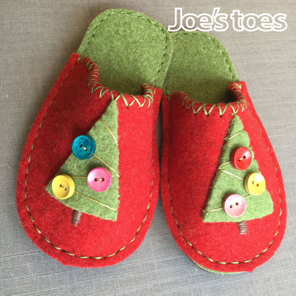 Joe's Toes Christmas Tree Slipper Kit in Children's sizes