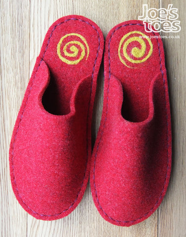 Red Felt Slipper - Yellow Swirl