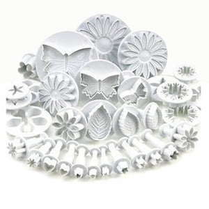 Ezzential™ 3D Bake Decorating Mold (33 pieces)