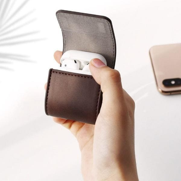 leather-airpod-case-cover-closed-brown.