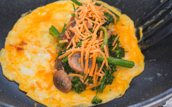 ▷ Broccoli & Cheddar Omelette | The Brand Decò