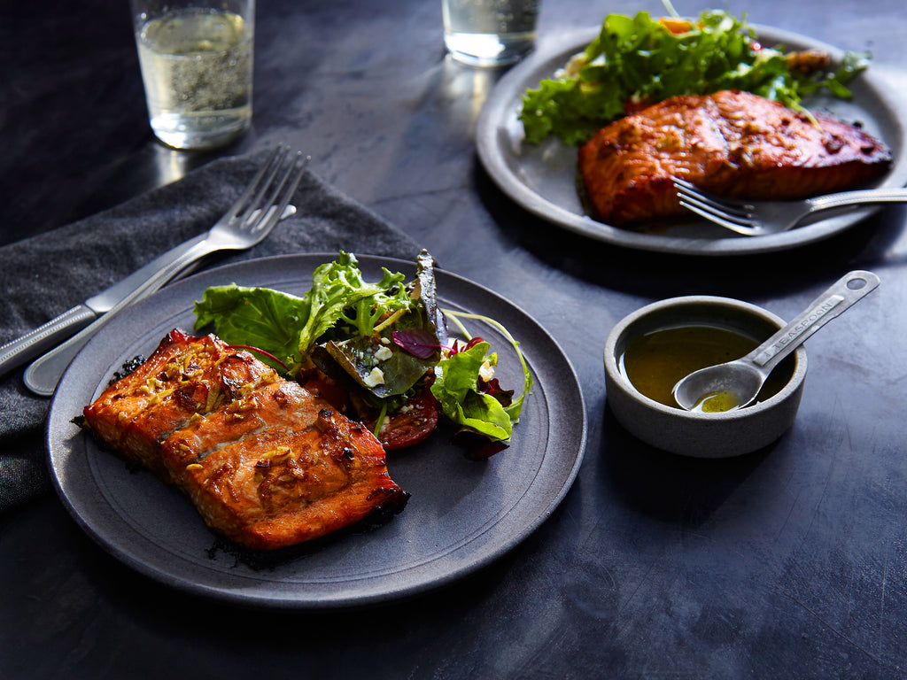 ▷ Enjoy this Salmon Recipe: Maple Balsamic Salmon | The Brand Decò