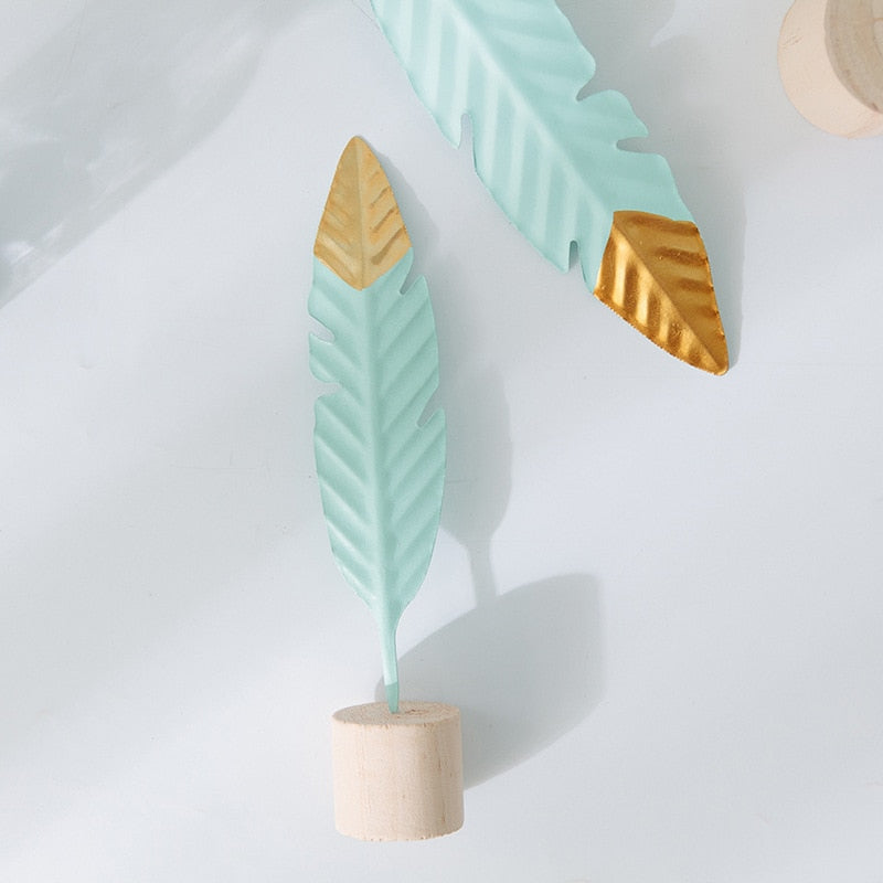 Nordic Feather Ornament | The Brand Decò