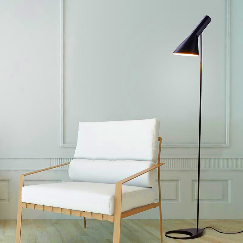 Nordic Modern AJ floor lamp Arne Jacobsen LED | The Brand Decò