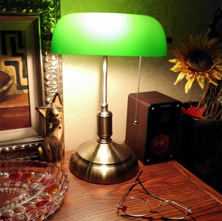 Simple American Retro Bank Lamp | The Brand Decò