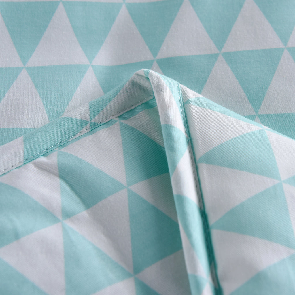 Blue Triangle Plaid Cotton Light Comforter