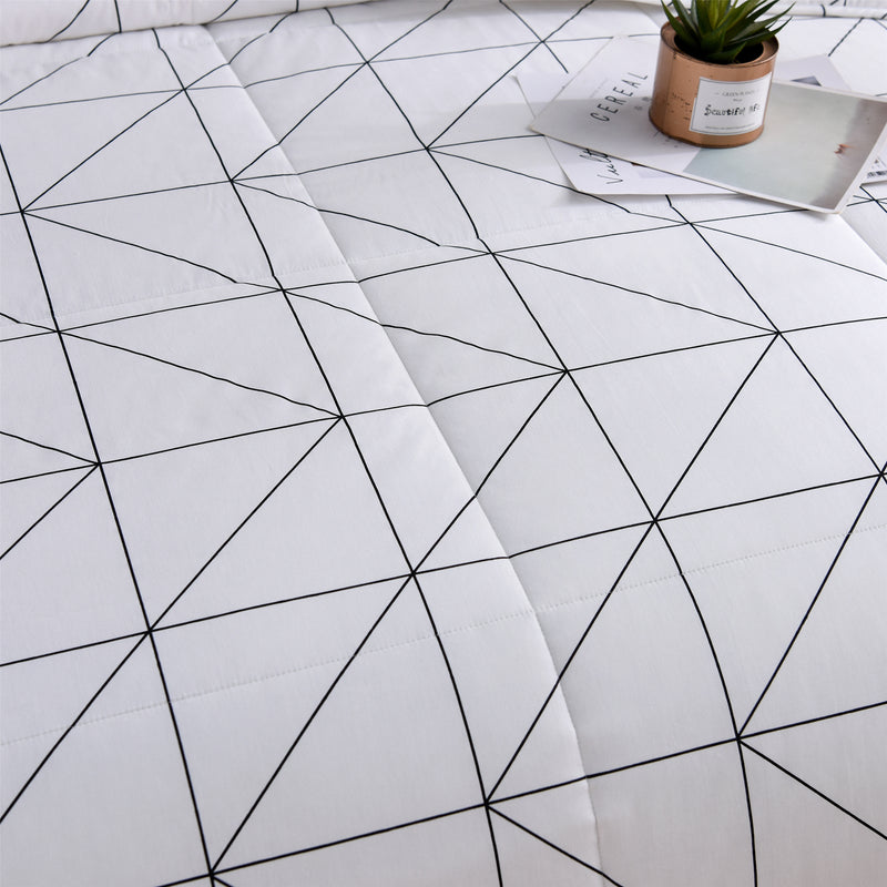 Nordic Geometric Cotton Light Comforter