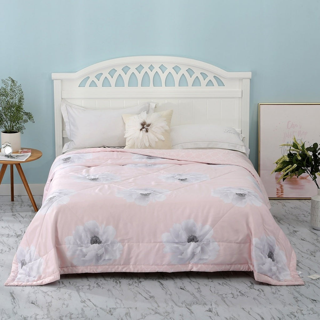 Rosy Lilia floral Loycell Fiber Light Comforter