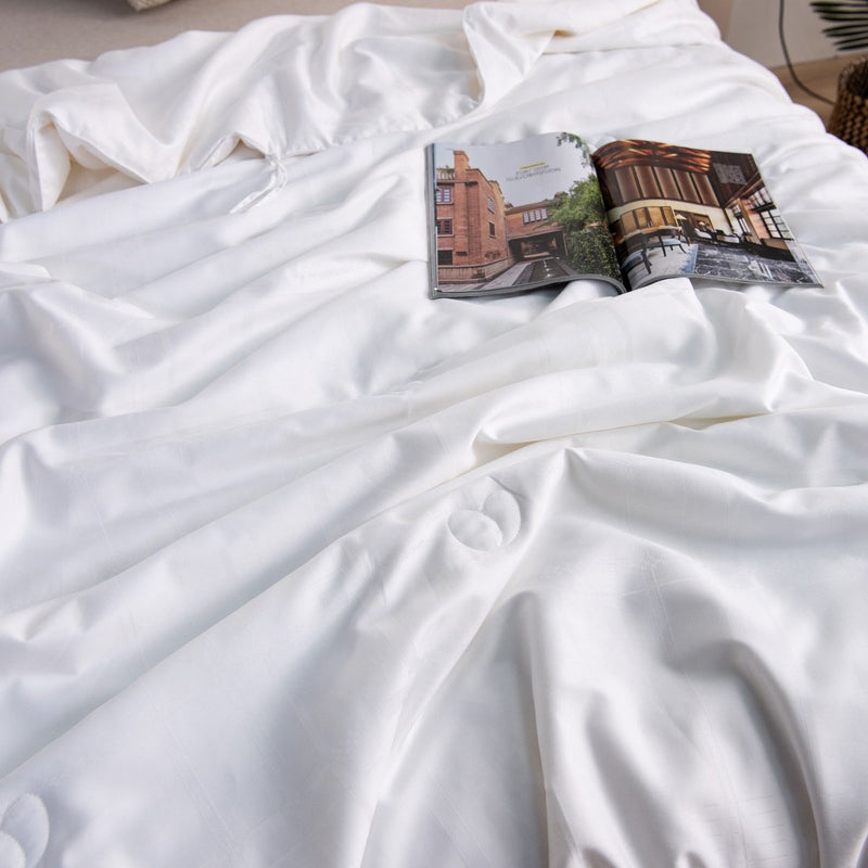 Solid White Light Silk Duvet Insert