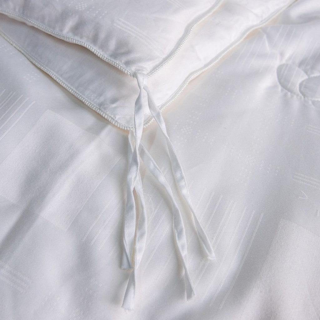 Solid White Combination All Season Silk Duvet Insert