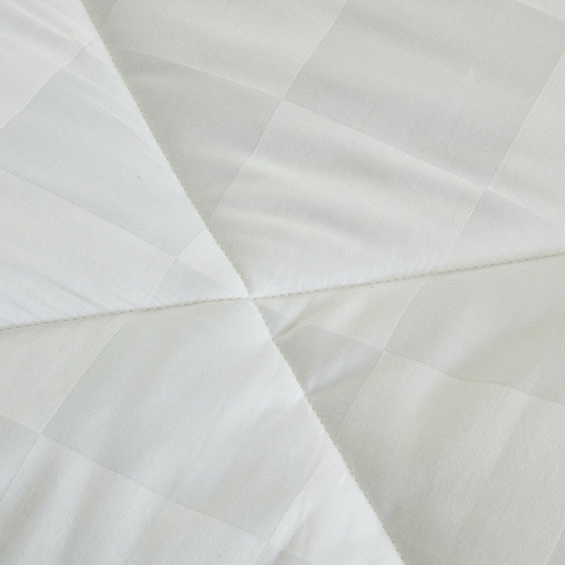 Solid White Extra Warmth Polyester Winter Duvet Insert