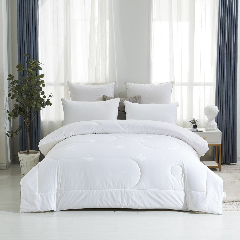 Solid White Extra Weight Australian Wool All Season Comforter