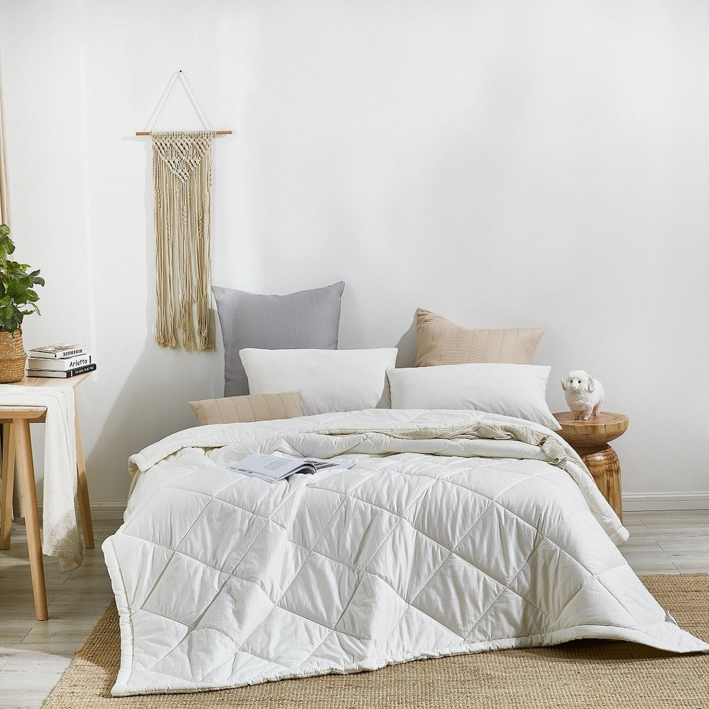 Solid White Australian Wool All Season Comforter