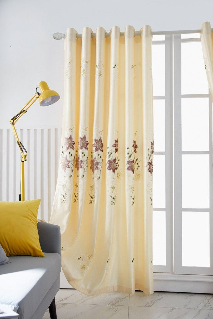 Sweet Lily Floral Polyester Curtain