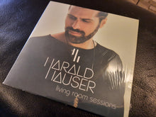 Laden Sie das Bild in den Galerie-Viewer, Harald Hauser - living room sessions