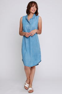 Robe Sleeveless collared