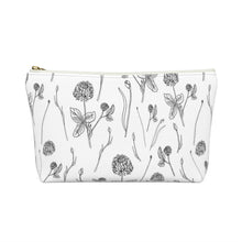 Load image into Gallery viewer, Accessory Pouch w T-bottom Clover
