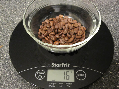 Starfrit kitchen digital scale weighing UrSpecialty coffee beans