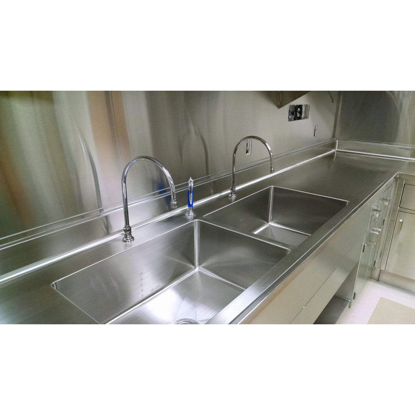 Custom Decontamination Sink-Sink Station-Mortech Manufacturing Company Inc. Quality Stainless Steel Autopsy, Morgue, Funeral Home, Necropsy, Veterinary / Anatomy, Dissection Equipment and Accessories