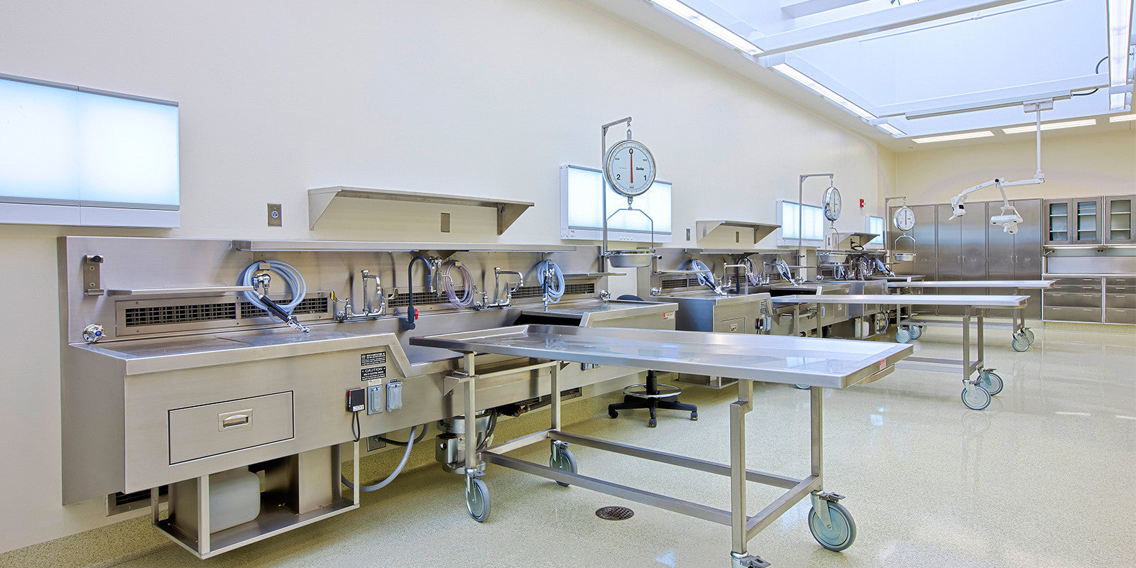 Autopsy-Stations-Body-Transporters-Postmortem-Equipment