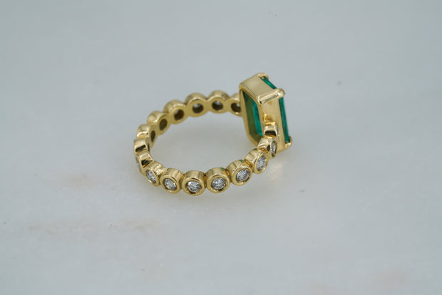 Colombian Emerald Ring with Diamonds