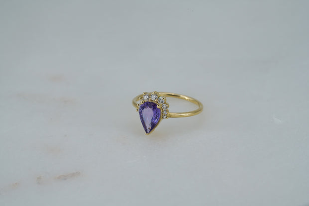 Ceylon Pear Sapphire with Diamonds Ring
