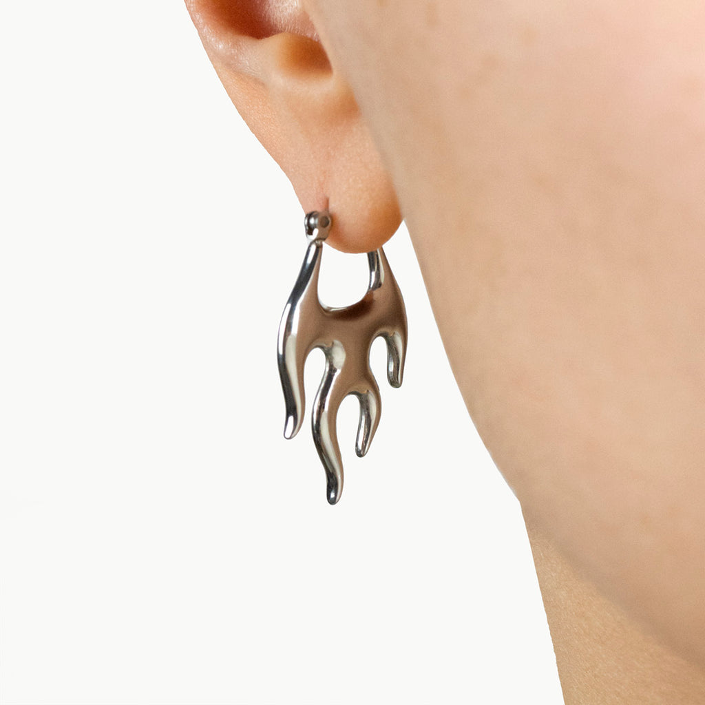 Flame Earrings(ピアス)