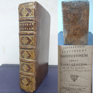 Imperatoris Justiniani Institutionum juris libri quatuor in artem digesti, 1671