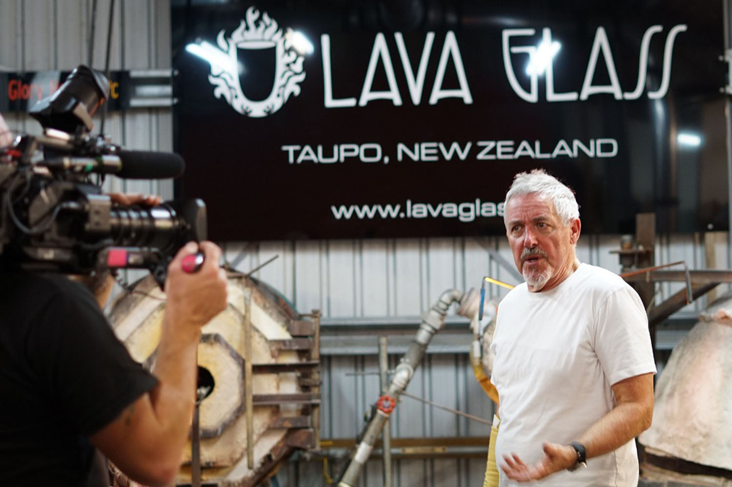 Griff Rhys Jones at Lava Glass_12