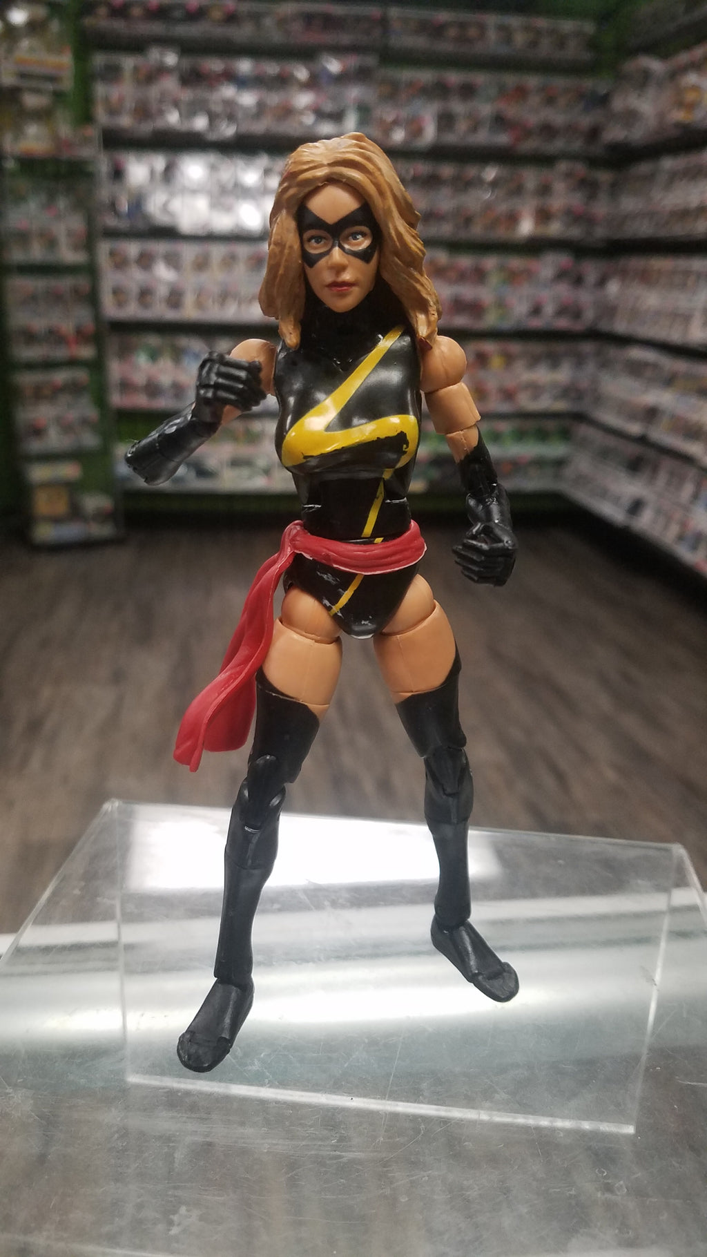TOYBIZ Marvel Legends Warbird (aka Ms. Marvel)