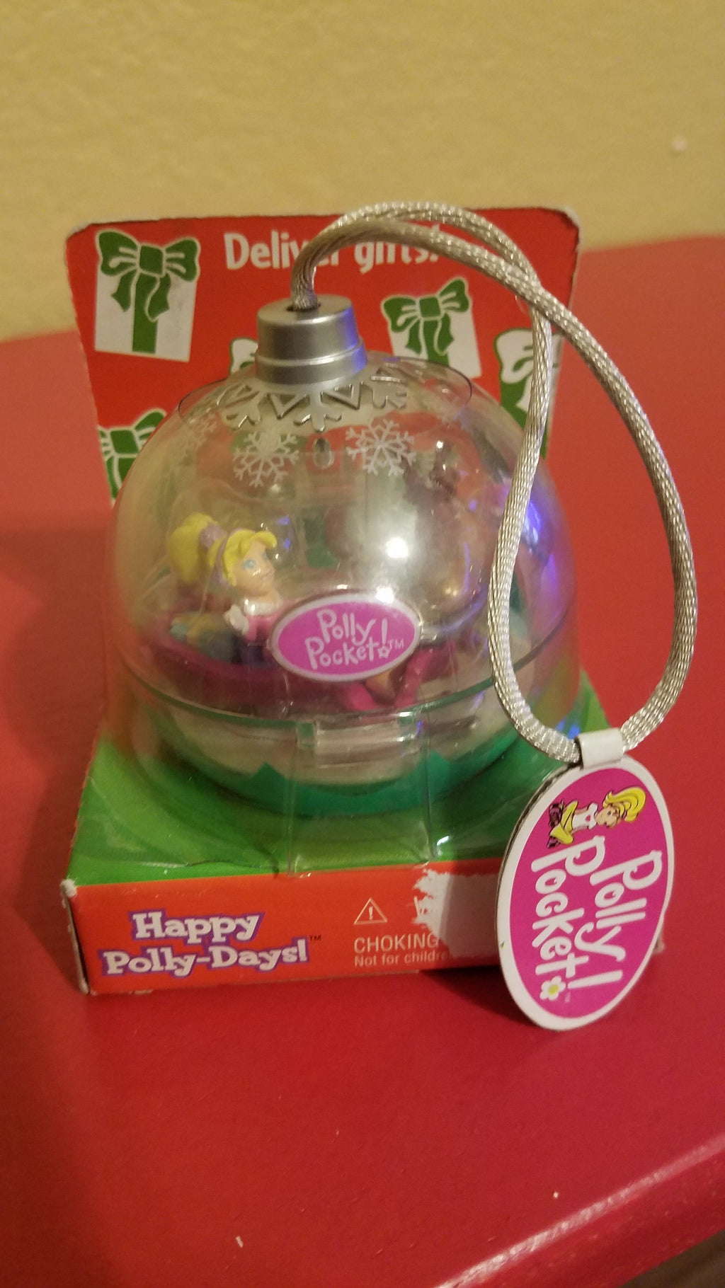 Mattel Polly Pocket Happy Polly-Days Glitter Reindeer