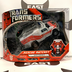 Hasbro Transformers Automorph Voyager Class Rescue Ratchet