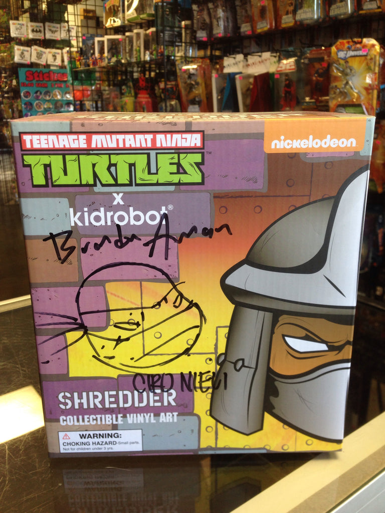 Teenage Mutant Ninja Turtles Kidrobot Shredder Collectible Vinyl Art SDCC Exclusive
