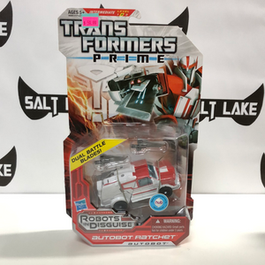 Hasbro Transformers Prime Robots in Disguise Deluxe Class Autobot Ratchet