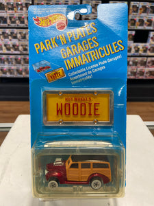 Mattel Hot Wheels Park 'n Plates 40's Woodie (1989)