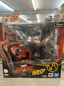 Ban Dai S.H. Figuarts Ant-Man and the Wasp - Ant-Man & Ant