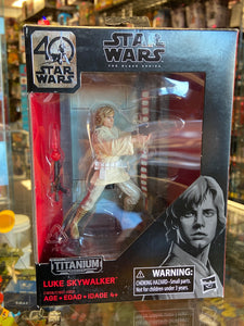 Hasbro Star Wars Black Series Titanium Series Luke Skywalker