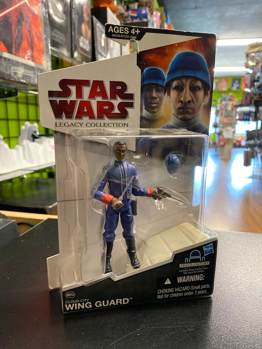 Hasbro Star Wars Legacy Collection Cloud Coty Wing Guard