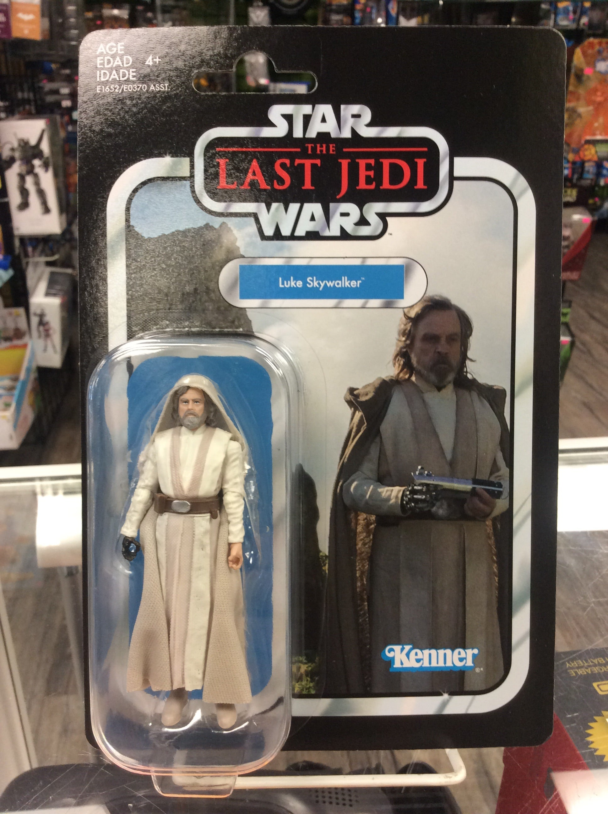 83ce9e9c8905 Star Wars Vintage Collection The Last Jedi Luke Skywalker. Star Wars Vintage  Collection The Last Jedi Luke Skywalker