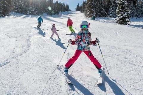 7 Tips for Skiing and Snowboarding with Kids