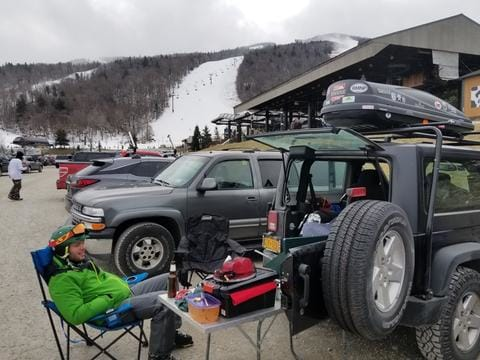 8 Tips for Skiing and Snowboarding During COVID-19
