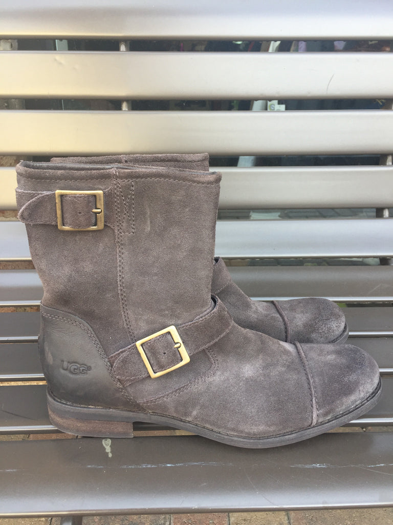 Ugg Distressed Suede Boots: Sz 9.5