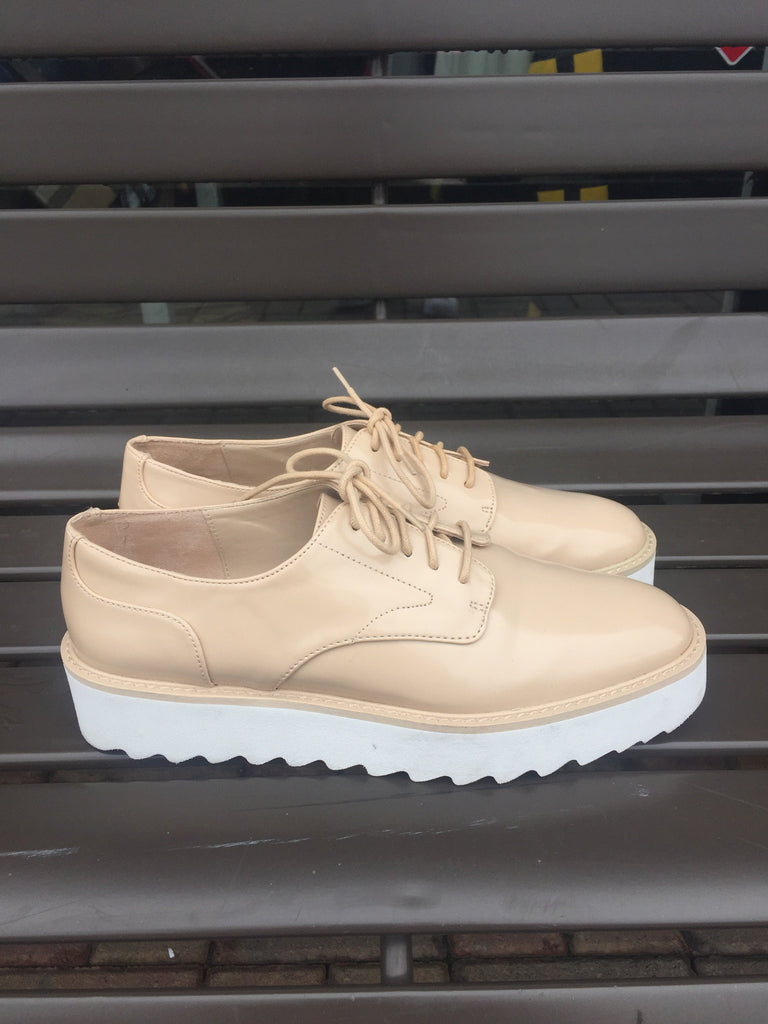 Zara Ivory Oxfords: Sz 9