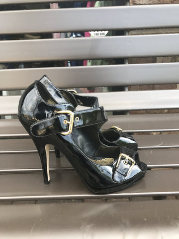 Bebe Black Patent Buckled Sandals: Sz 8
