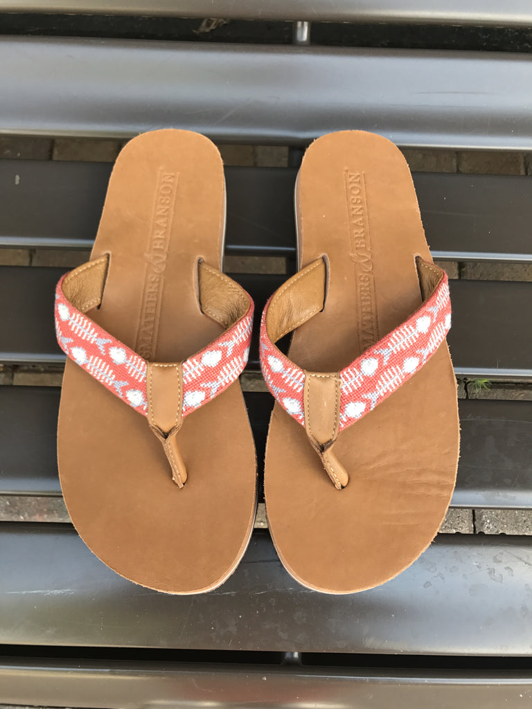 Smathers & Branson Stitched Leather Flops: Sz 9