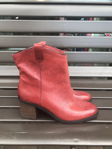Boutique 9 Red Leather Cowboy Boots: Size 8.5