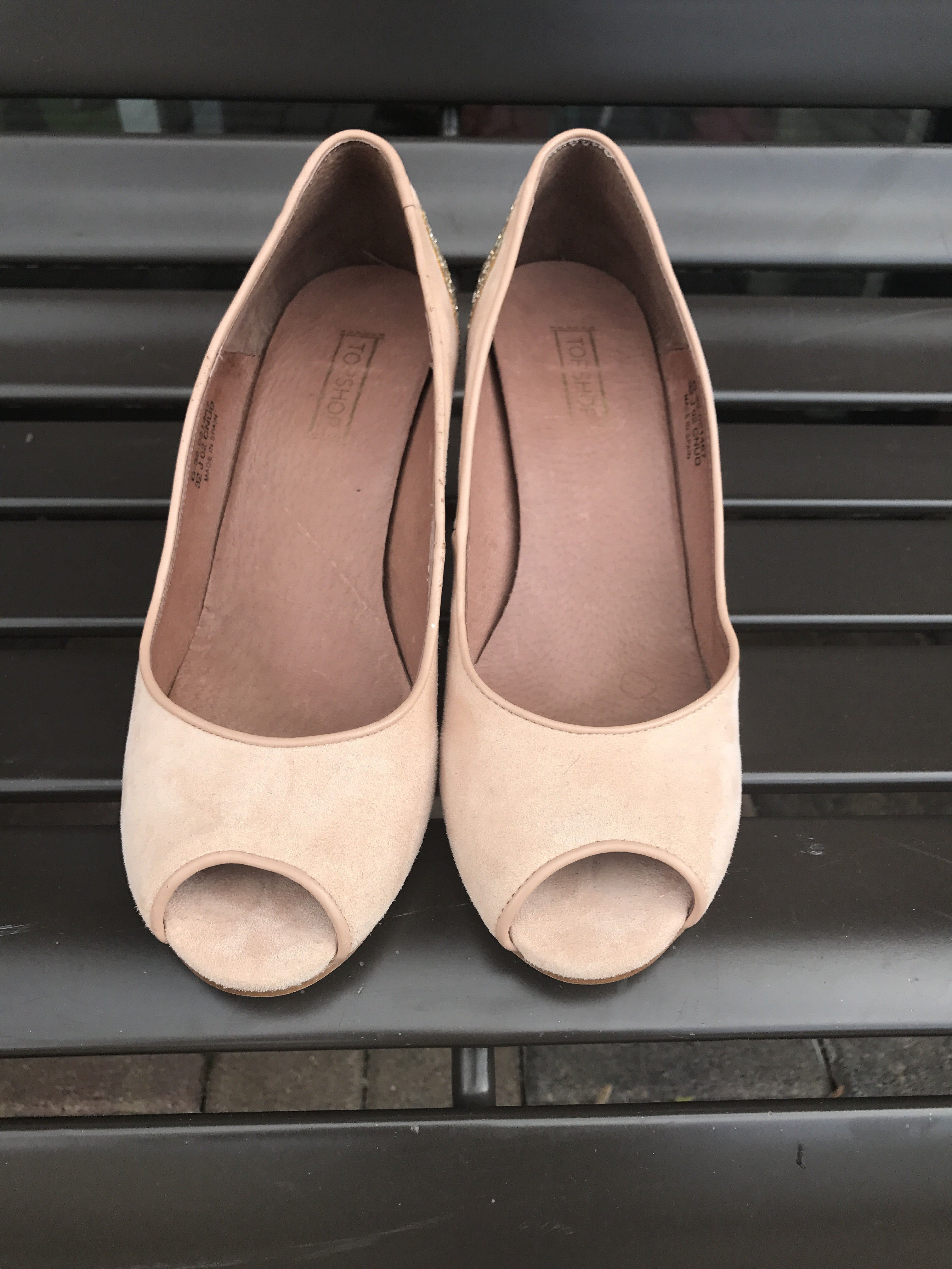 Top Shop Nude/Pale Pink Suede Gold Glitter Peep Toe: Size 11.5