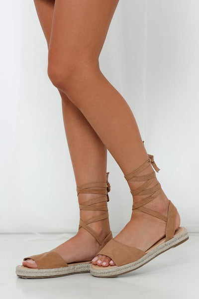 THERAPY Dauphin Sandals Camel