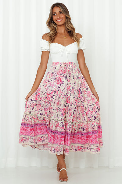 Woman On The Run Maxi Skirt Pink